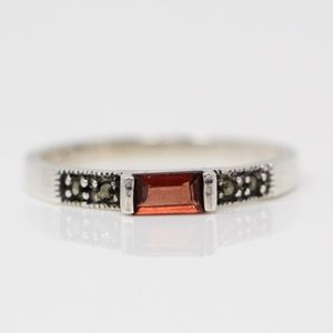VINTAGE Sterling Red Garnet Marcasite Stack Ring 8